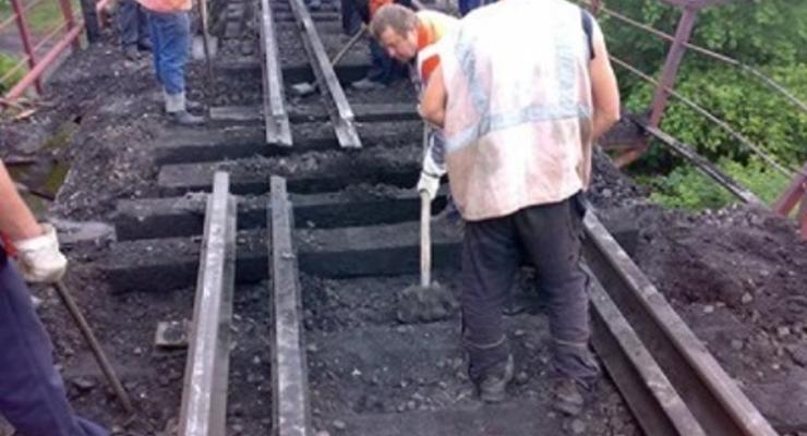 Ущерб от разрушений железных дорог на Донбассе оценили почти в миллиард