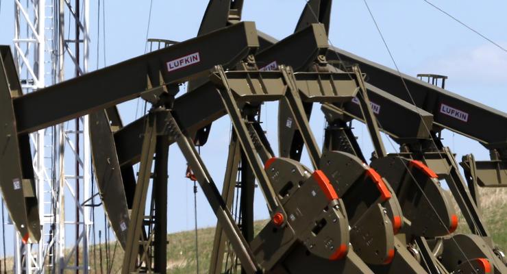 Нефть вновь дешевеет