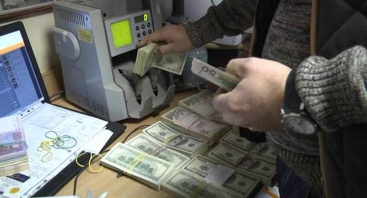 В Белой Церкви подпольный пункт обмена валют работал в магазине игрушек