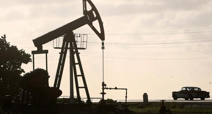 Цены на нефть снижаются на фоне роста добычи ОПЕК