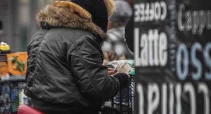 """На """"черном"""" рынке подешевел доллар"""