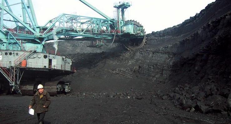 Янукович, Иванющенко, Абрамов: Кто еще поставляет уголь в Украину