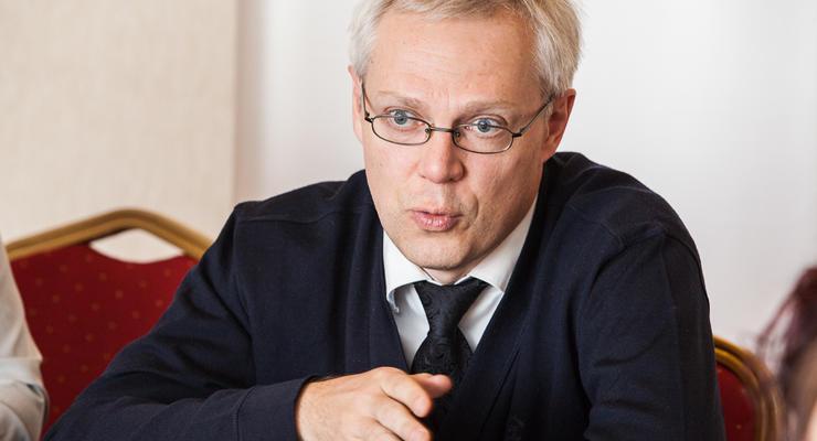 Экономист Найман: гривна будет по 25 за доллар, а в следующем году – 30-35