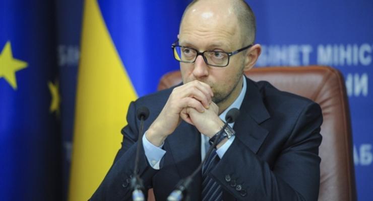 Яценюк заявляет, что газа в хранилищах недостаточно
