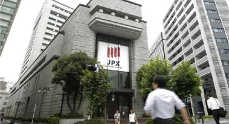 Японские акции показали самый большой внутридневной рост за 7 лет