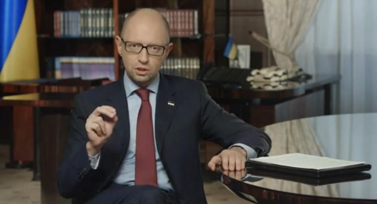 Яценюк пообещал уволить сегодня почти половину VIP-налоговиков