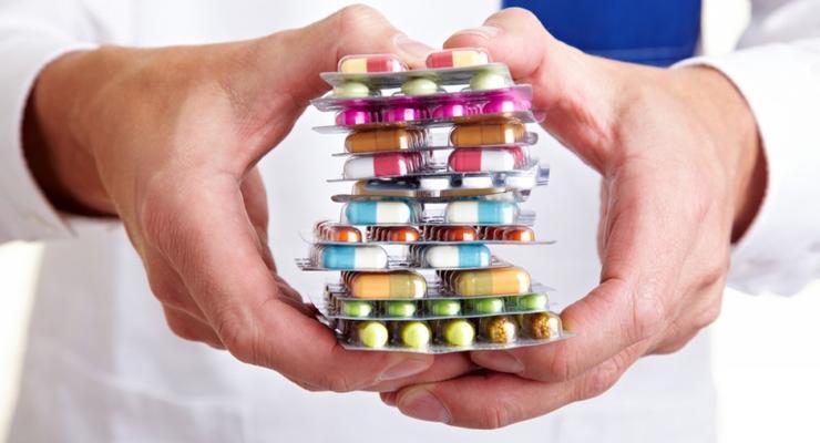 Эксперты рассказали, как аптеки наживаются на украинцах