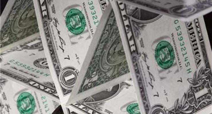 К закрытию межбанка доллар подешевел на 70 копеек