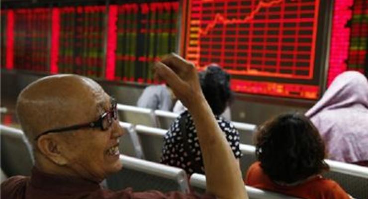 Китайские фондовые индексы прибавили более 2%