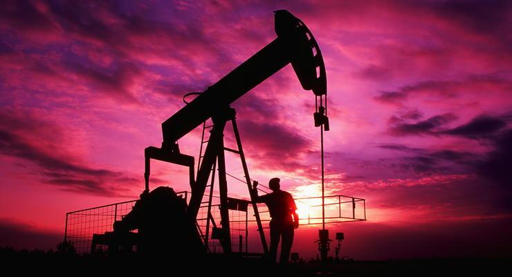 США решили снять 40-летний запрет на экспорт нефти - СМИ