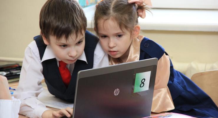 Крымчане обеспокоены финансированием удаленного обучения детей
