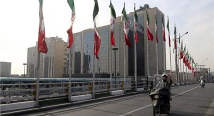 Иран сообщил, что $100 млрд его активов разморожены