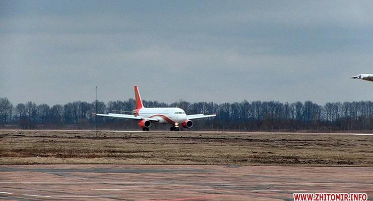 Аэропорт Житомира впервые за 25 лет принял авиалайнер Airbus