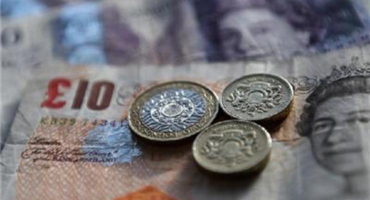 Курс британского фунта упал до семилетнего минимума