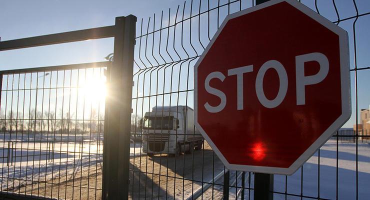 Украина и РФ возобновили транзитные грузовые перевозки