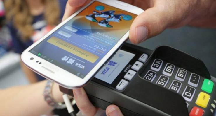 В украинских магазинах ввели бесконтактные платежи
