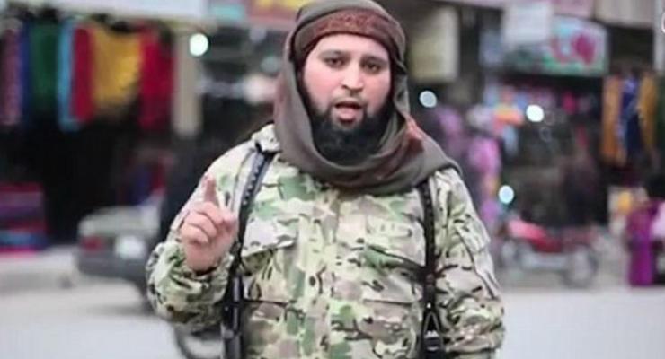 Террорист ИГ предупредил о новых терактах и убил заложника: видео