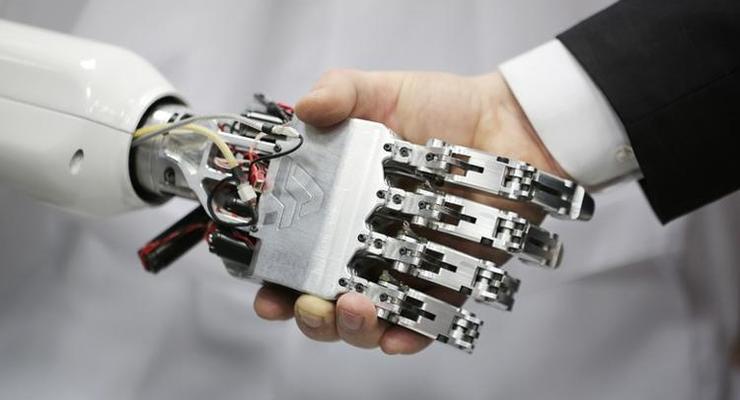 Власти России заявили, что экономику страны спасут роботы