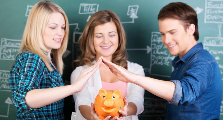 Студентам восстановят социальные стипендии