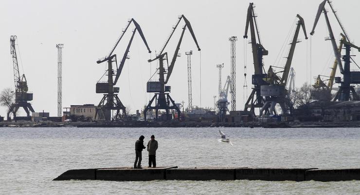 Китайская компания начала углублять дно в порту Южный