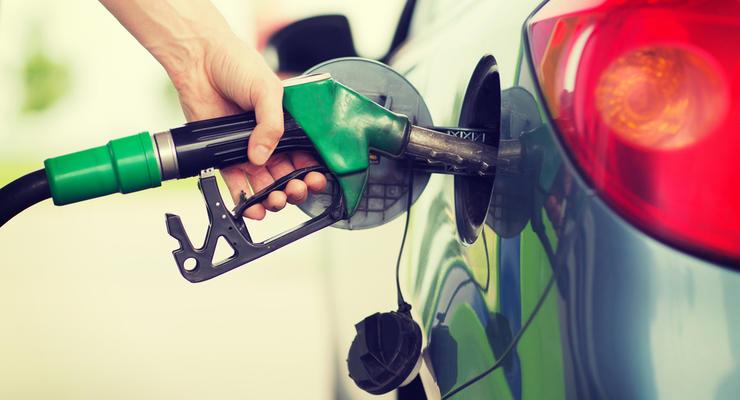 Цены на бензин продолжают плавно расти