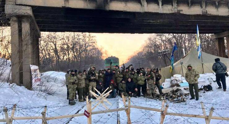 Порошенко: Блокада Донбасса обошлась в 1% роста ВВП