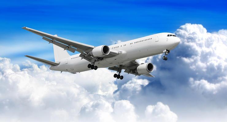 Аэропорт Львов приостановил обслуживание рейсов YanAir