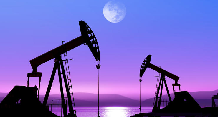 Нефть подешевела на доллар за день из-за шторма
