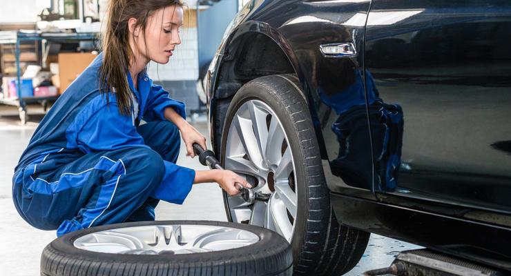 Диагностика и шиномонтаж: Сколько стоит подготовить авто к зиме