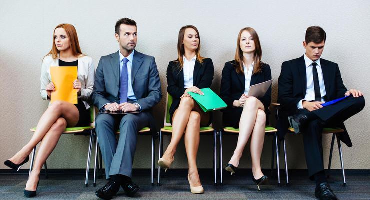 Инфографика: Кто на рынке труда востребованнее и получает больше всех