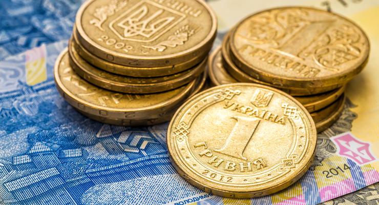 Валютный рынок стабилен: Доллар в цене падает, гривна крепчает