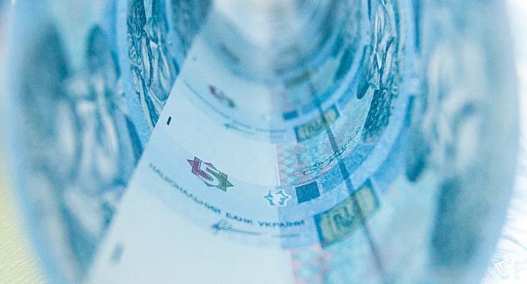 Украинцы могут сдавать старые банкноты после Нового года на утилизацию