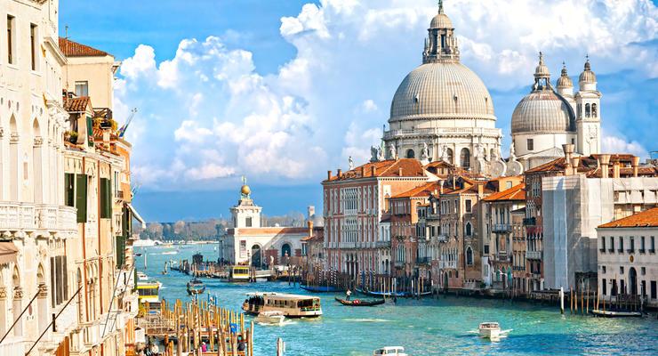 Центр Венеции обложат туристическим налогом