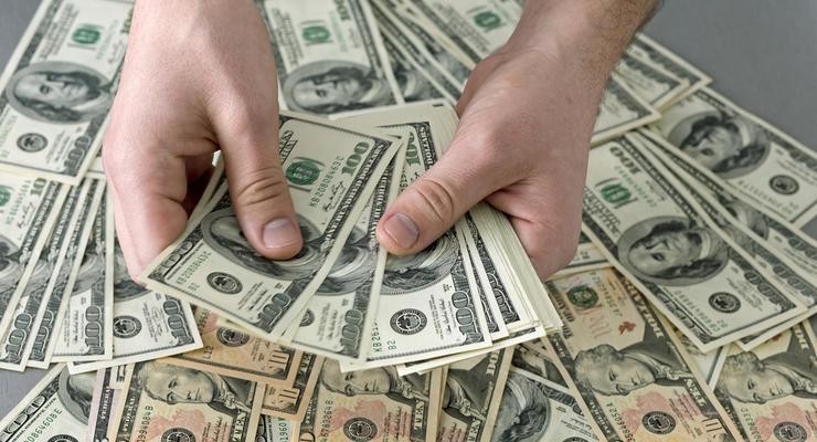За год Нацбанк купил на межбанке $3,2 млрд