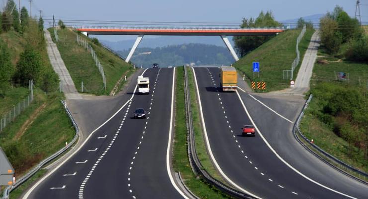 За сколько денег отремонтируют местные дороги в 2019 году – Гройсман