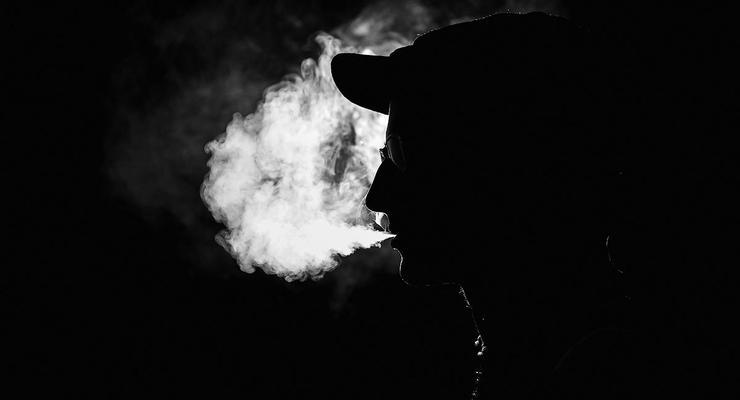 Курильщики выиграли суд на 17 млрд долл у табачных компаний за ущерб здоровью