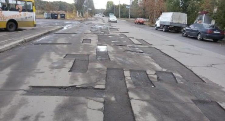 Стало известно, сколько украинцы платят за обслуживание дорог