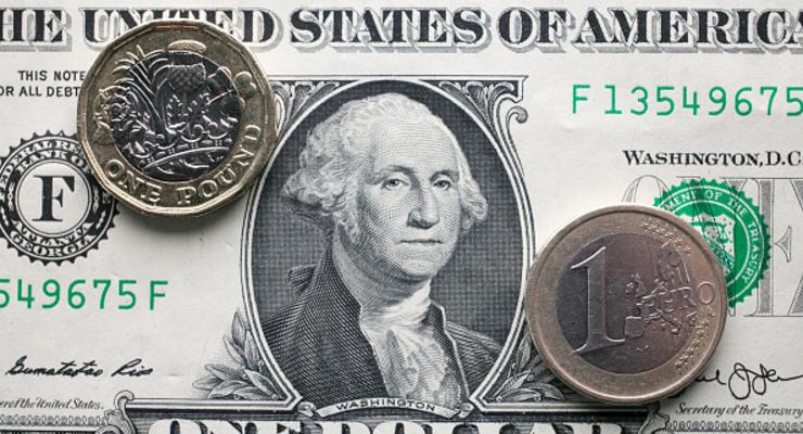 Курс валют: гривна возобновила падение