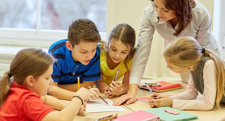 МОН: денег на повышение зарплат учителям нет