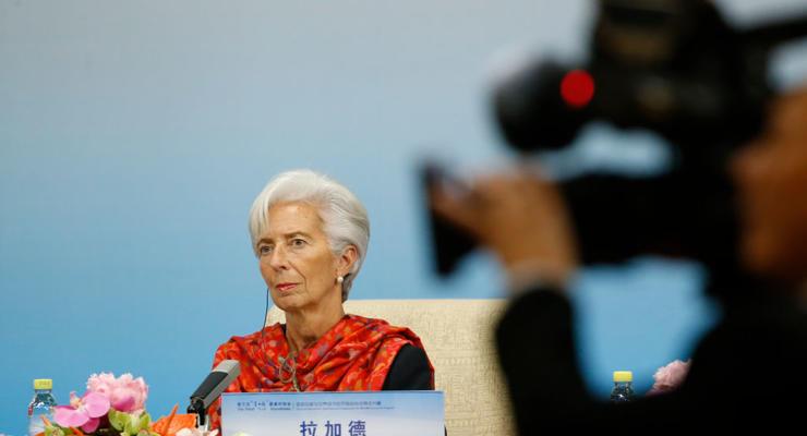 МВФ внепланово покидает Украину и пересмотрит программу