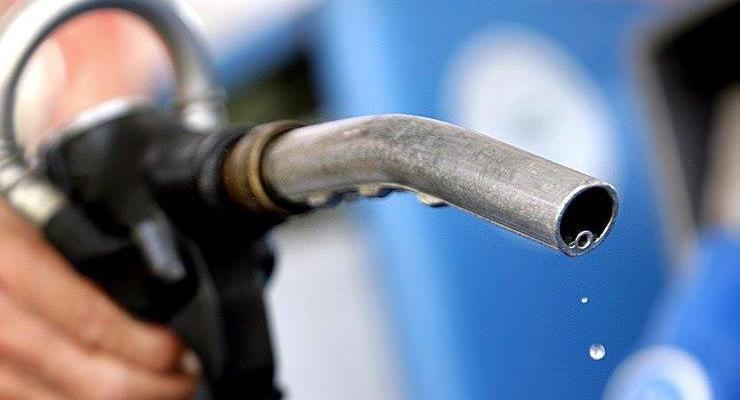 Сырая нефть дешевеет: Почему бензин и дизель в Украине не дешевеют
