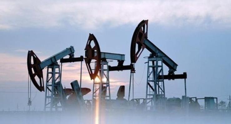 Цены на нефть завершили неделю обвалом ниже $62