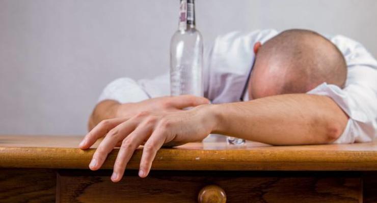 Стоимость самого дешевого алкоголя вырастет от 7,3% до 10,7%