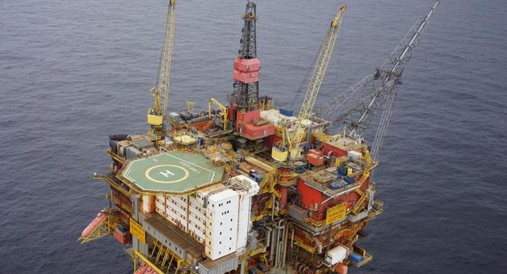 Грузовое судно столкнулось с нефтяной платформой в Норвегии