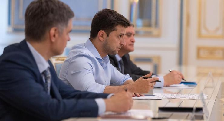 Зеленский хочет отложить пуск рынка электроэнергии