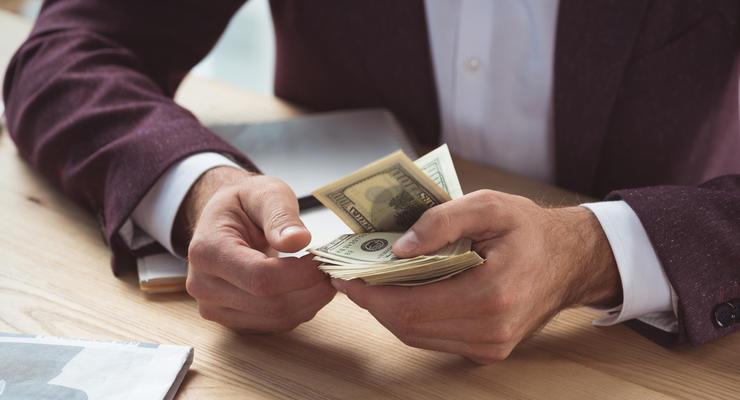 Зарплату теперь можно указывать в валюте и платить ее эквивалент – ВС