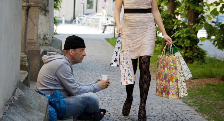 Разрыв между богатыми и бедными в Украине все больше – эксперты