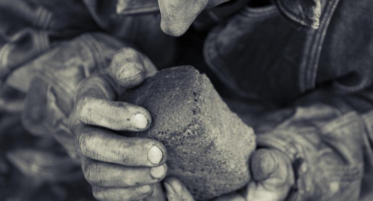 Почему украинцы живут бедно и как это уладить – советы психолога