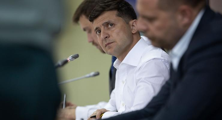 """""""Все должны платить"""": Зеленский заставит Ахметова инвестировать в Украину"""