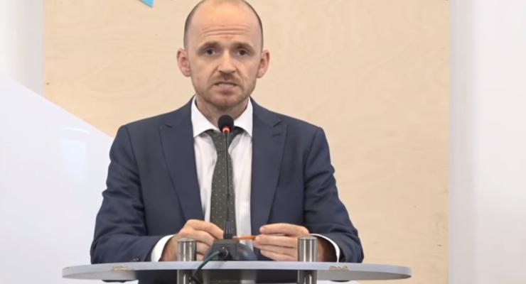"""""""Дипломы врача продаваться больше не будут"""": Замглавы Минздрава о новом экзамене"""
